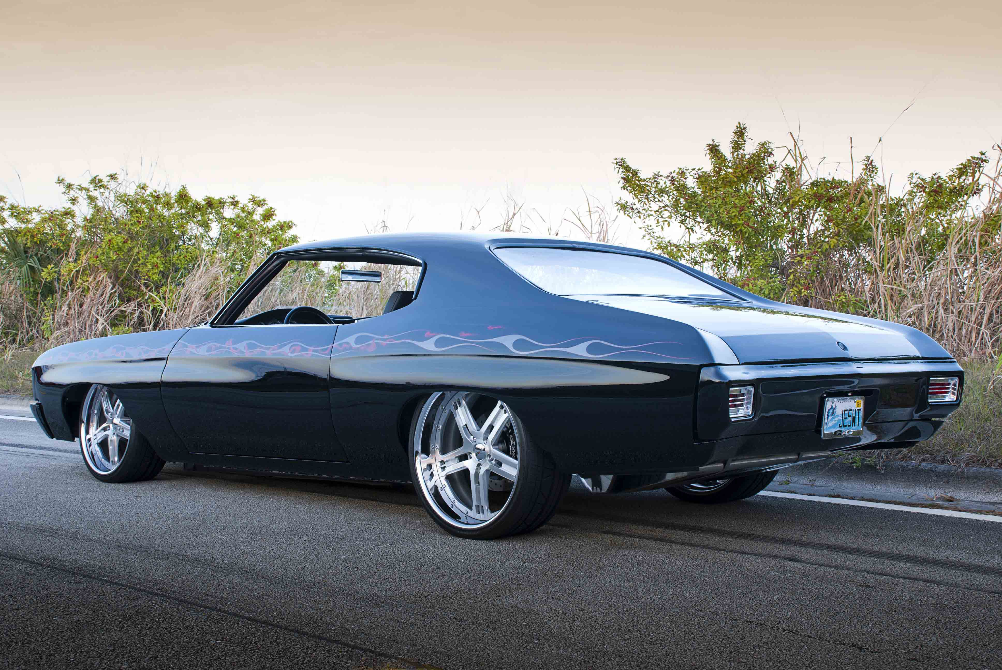 Feature: One Fast-Moving, Modernized \'70 Chevelle